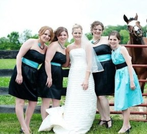 Horse photobombing wedding photo